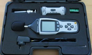 Picture 10: Good quality SPL meter with calibrator.